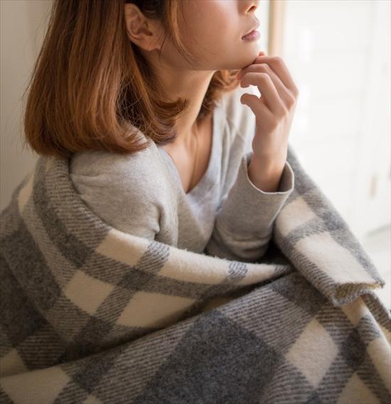 寒い 女性 冬_R